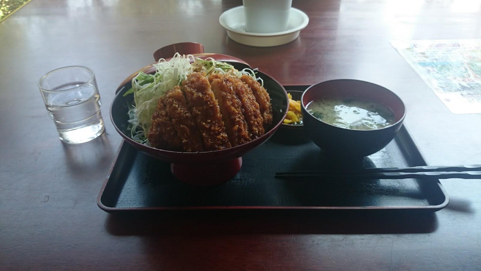 11:11 ソースカツ丼