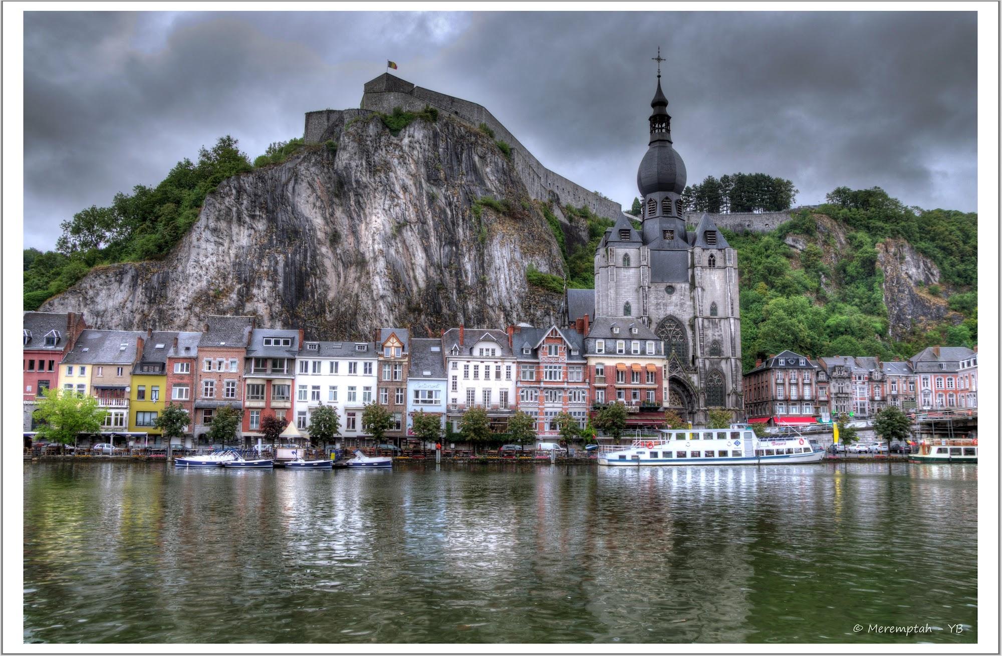 Paysage de Dinant (Belgique) en bord de Meuse - HDR