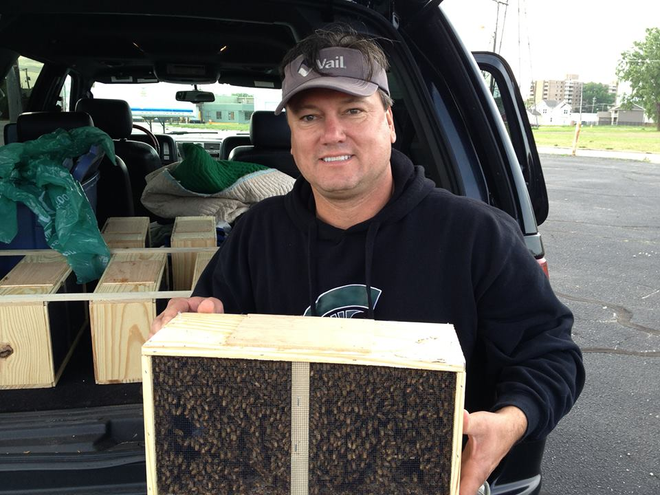 beginning beekeeping, starter bee kits, michigan bees, bees for sale in southwest michigan, kalamazoo, berrien county
