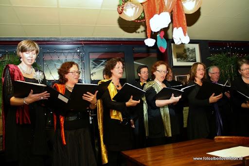 concert in kerstsfeer met cantiloon en palet overloon 13-12-2011 (19).JPG