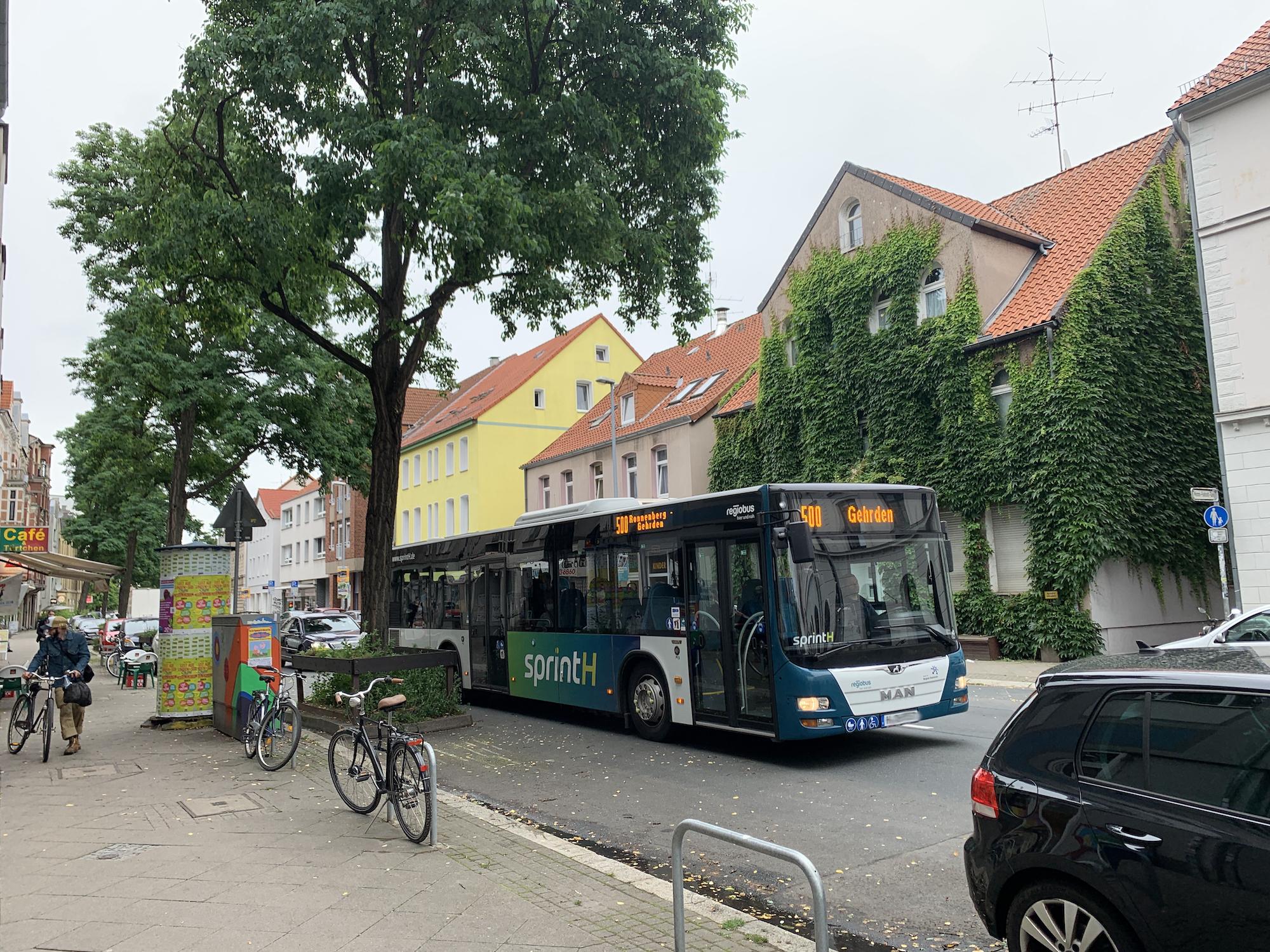 Bargeldlos in Bussen zahlen - Einstieg wieder vorne möglich