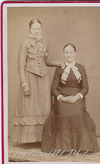 CDV two women GF ant