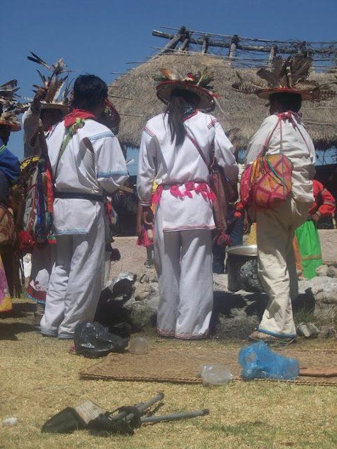 Ceremonia de Xicuri Neira con los hermanos Wixarikas (huicholes) - 29333_112392525462454_100000751222696_76191_1525720_n%255B1%255D.jpg