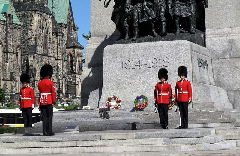 tomb-of-unknown-soldier-canada