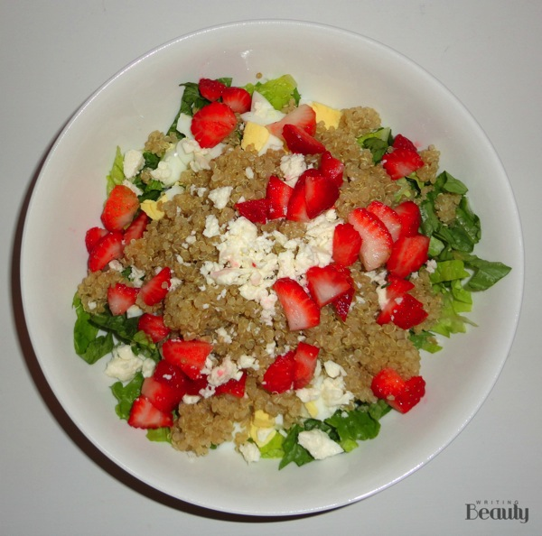 Healthy Quinoa Lunch Bowl