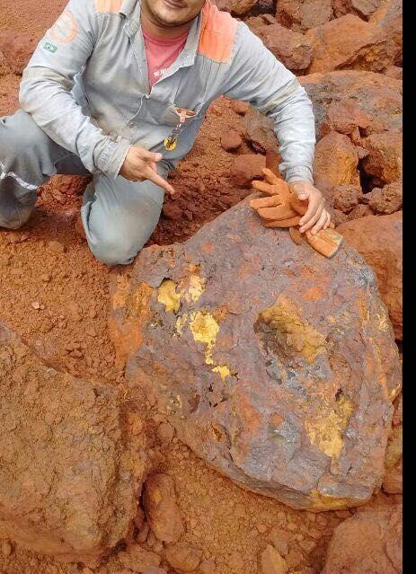 Resultado de imagem para pedra de ouro
