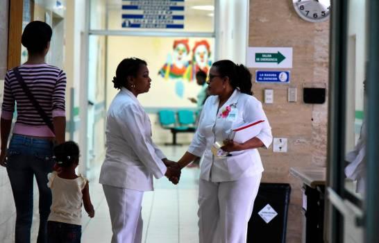 Hoy es Día Internacional de la Enfermería; gremio amenaza con protestas