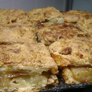 Simple Apple Cake Portuguese-Style.