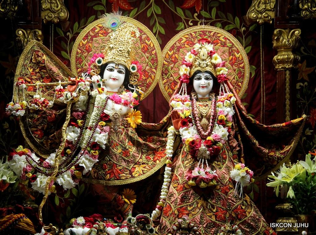 ISKCON Juhu Sringar Deity Darshan on 30th May 2016 (4)