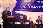 """El rector de la USIL, Edward Roekaert, da la bienvenida a la ceremonia de entrega de la Distinción a los Valores Democráticos """"Fernando Belaunde Terry""""."""