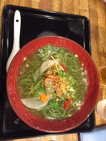 Vegan ramen at Chabuton in Shimokitazawa uses spirulina to make the noodles. Yum!