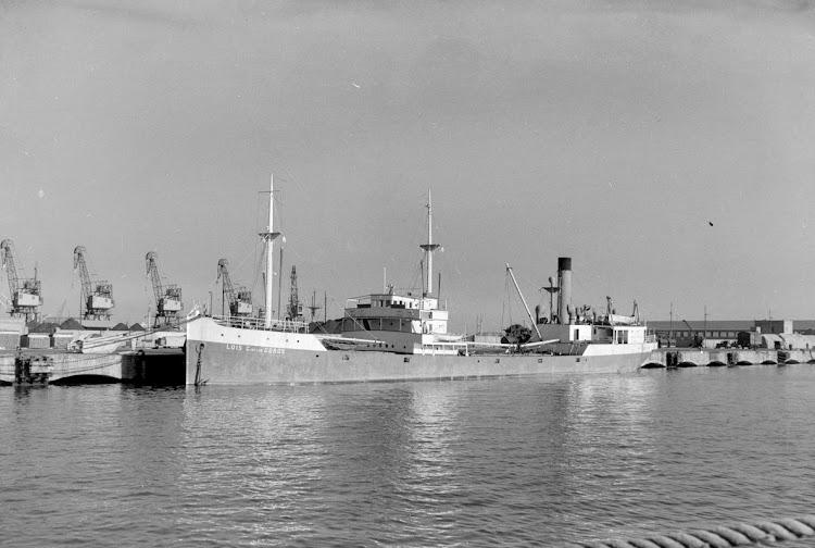 El vapor LUIS CASO DE LOS COBOS en Barcelona. Fecha indeterminada. Arxiu Fotografic Museu Maritim de Barcelona.tif