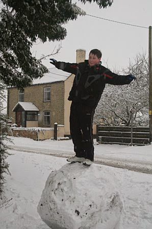 Woodhurst In the Snow - February 2009 - picture04.jpg