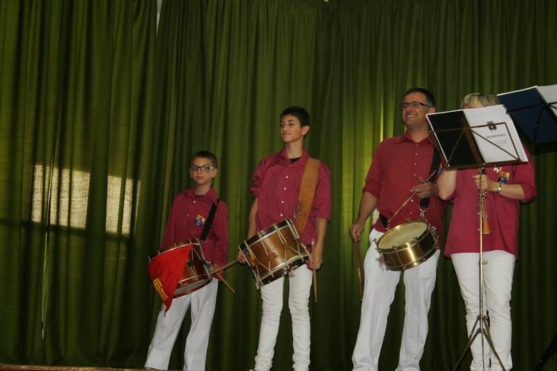 Audició Escola de Gralles i Tabals dels Castellers de Lleida a Alfés  22-06-14 - IMG_2361.JPG