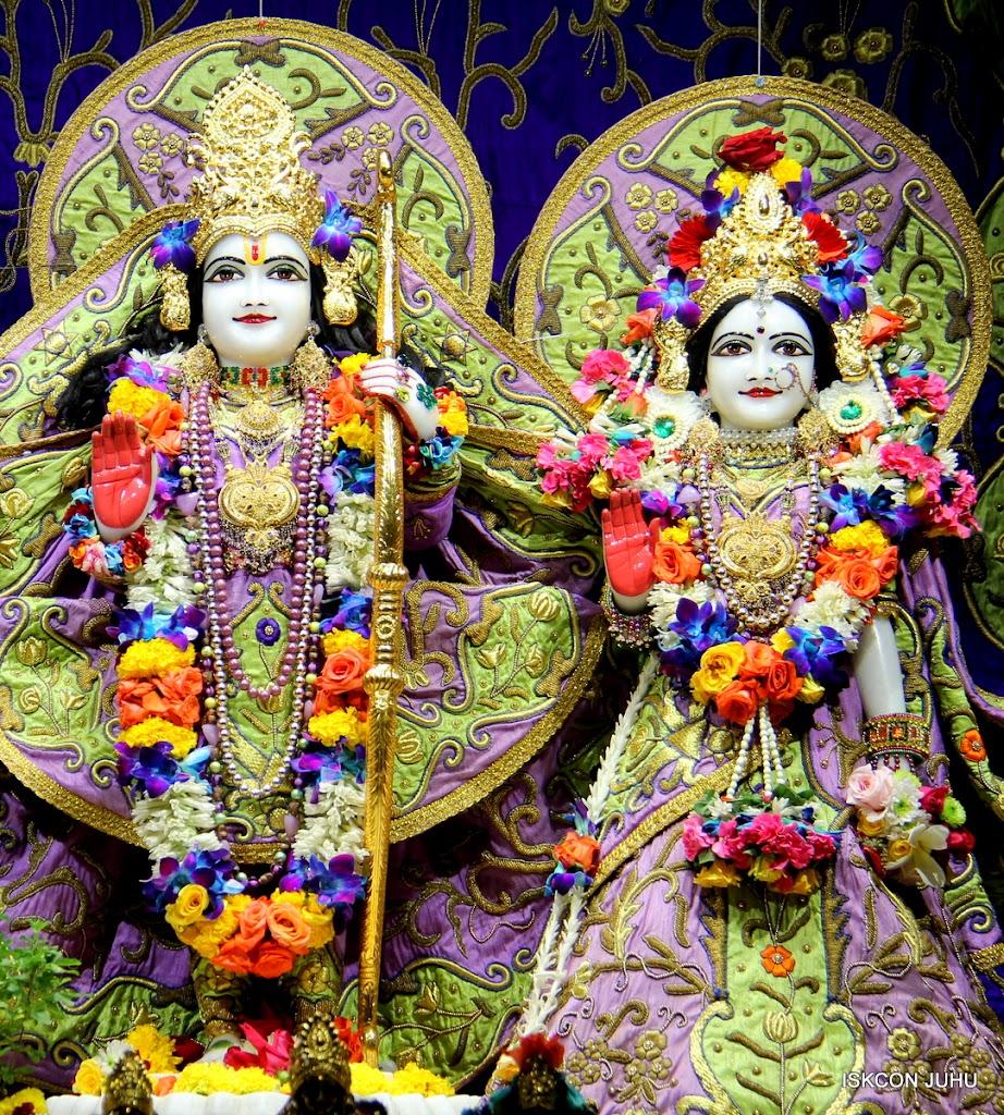 ISKCON Juhu Sringar Deity Darshan 11 Jan 2016  (36)