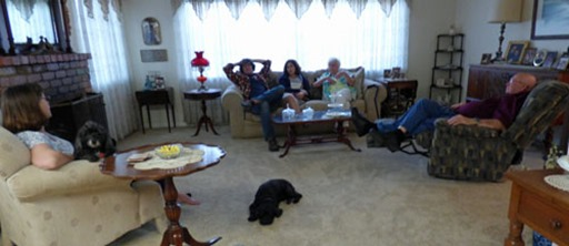 Sandy (holding Skruffy), Michael, Anna, Mom, Dad, Bubba (on floor)