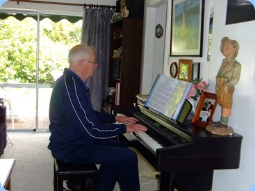 John Holster on Coffee Day debut and playing Delyse's Clavinova. Photo courtesy of Dennis Lyons.