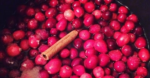 Chloë-Charlotte's Kitchen: Chloë's Cranberry Sauce