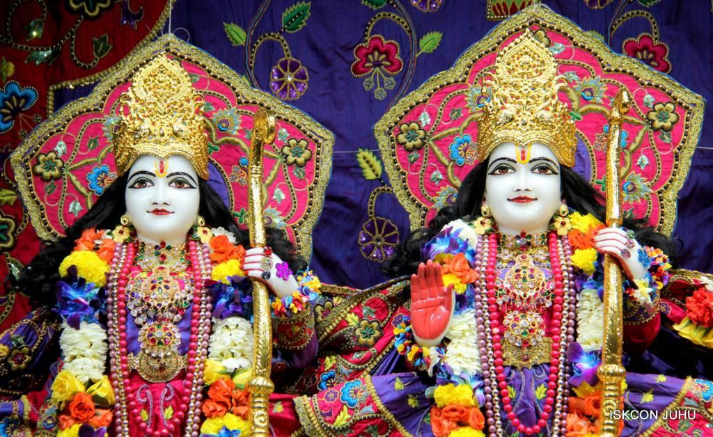 ISKCON Juhu Sringar Deity Darshan 29 Jan 2016 (42)