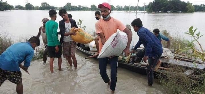 समस्तीपुर खतरे के निशान से 1 मीटर 70 सेंटीमीटर ऊपर बह रही गंगा, कई स्कूलों में घुसा बाढ़ का पानी..