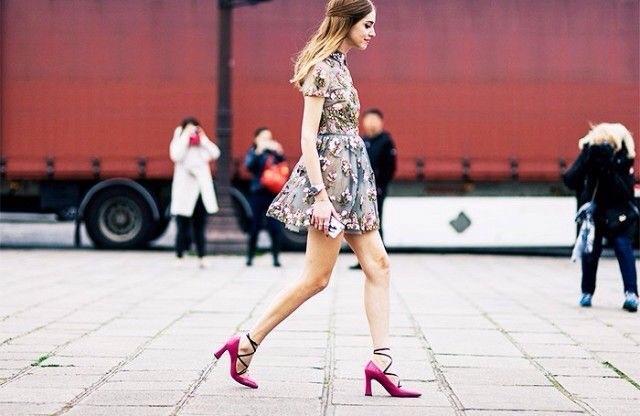 #sapatos #contodefadas #tendência #acessório #modaderua #dourado #look #estilo #shoes #heels #streetstyle #fashionweek #gold #style #styleblog #styleblogger #lifestyleblog #lifestyleblogger #brazilianblogger #ChiaraFerragni #theblondesalad