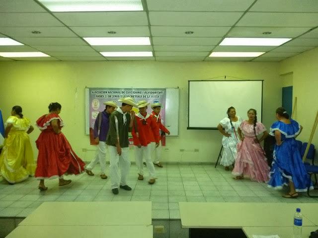 Inauguración de Diplomado Pedagógia no Sexiste e inclusiva ANDES - 522344_449052155131171_481215320_n.jpg