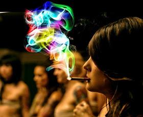 humo de colores cigarrillo