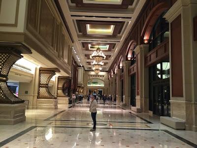 En stor, stor hall.