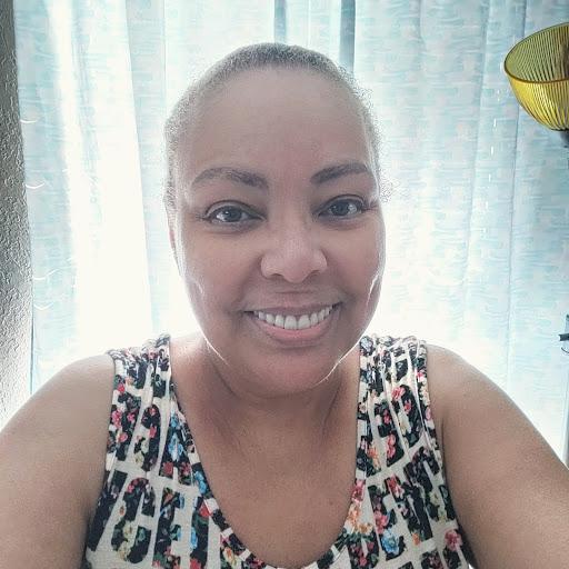user Maggie Ortega apkdeer profile image