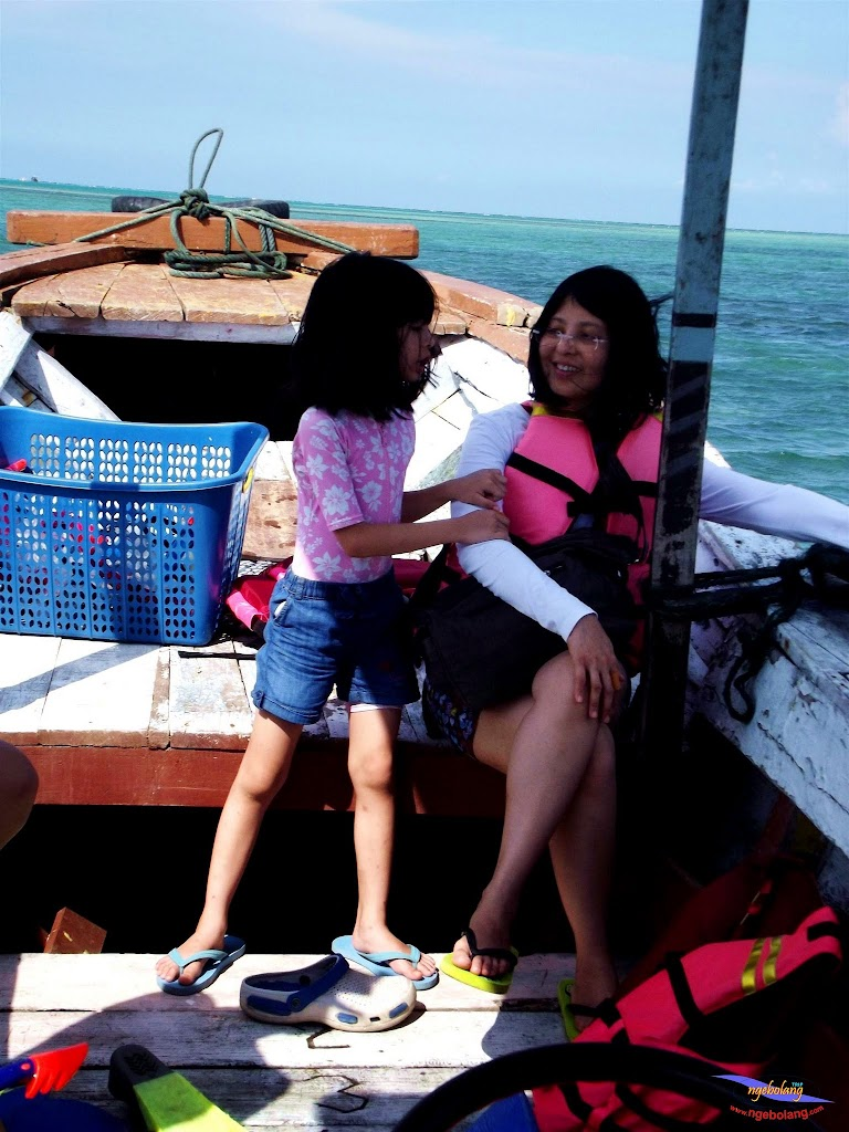 family trip pulau pari 140716 Fuji 077