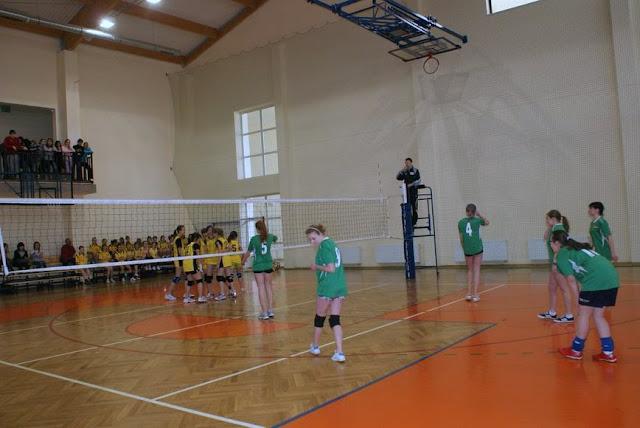 Zawody siatkarskie dziewczat 1 marca 2011 - DSC09319_1.JPG