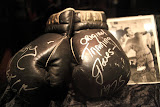 Rocky`s boxing gloves (© 2010 Bernd Neeser)