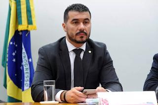 Deputado  Luís Miranda (DEM-DF) diz  que levou a Bolsonaro 'provas' de irregularidades com Covaxin