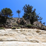 Olha estas camadas da rocha! -  rumo à Villa Pehuenia, Argentina