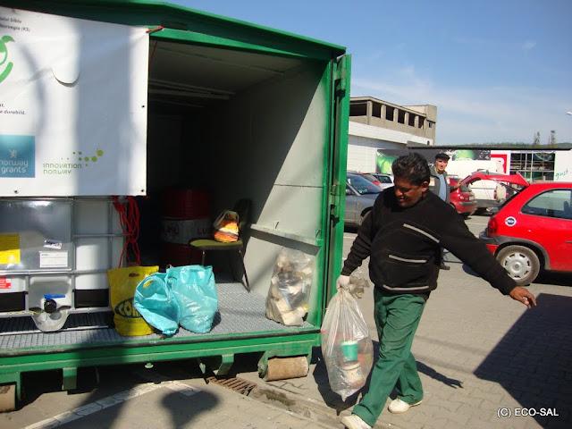 Campania de colectare a deseurilor periculoase din deseuri menajere MAI 2011 - DSC09634.JPG
