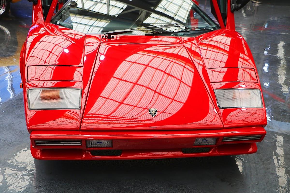 Lamborghini Countach (05).jpg