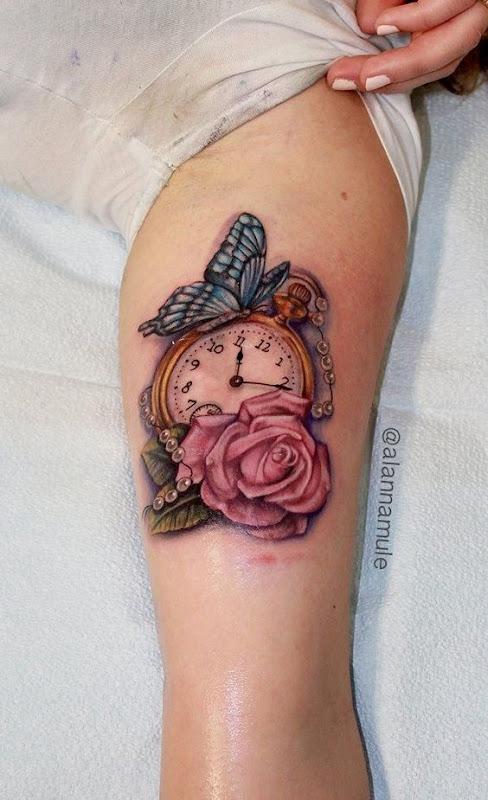 feminino_relgio_de_bolso_braço_de_tatuagem