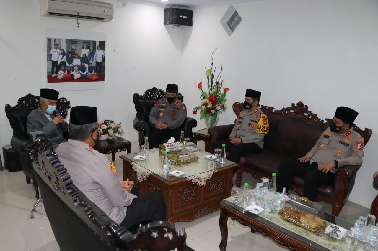 Pererat Silaturahmi Dengan Ulama, Kapolri Sowan Ke Ketua MUI Sulsel