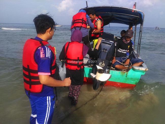 boat snorkeling di pulau tioman