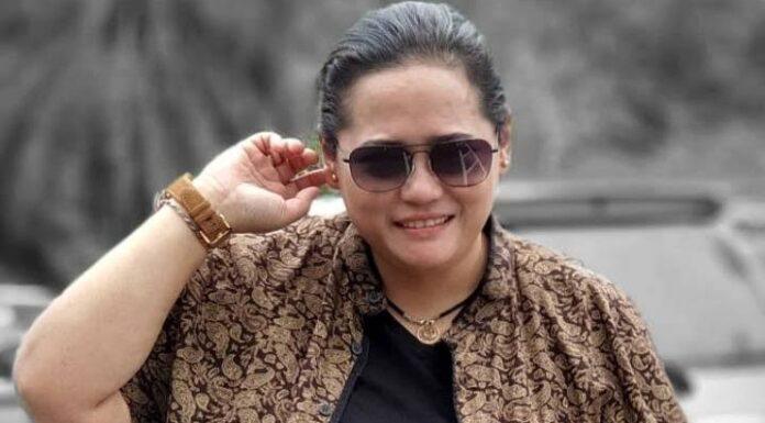 Ngaku Punya 3 Anak Gaib, Mbak You Ungkap Telah Belasan Tahun Nikahi 'Ular' Kiai Slamet