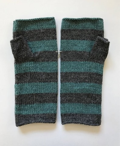 pointelle design fingerless