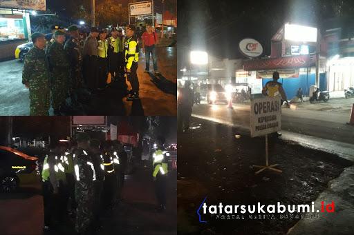 Operasi Gabungan TNI Polri di Sukabumi Penyekatan Mobilisasi Massa Menuju Jakarta // Foto : Isep Panji