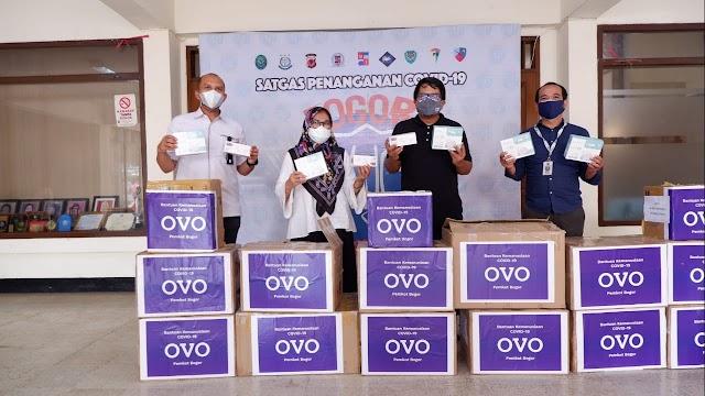 OVO Serahkan Bantuan Untuk Penanganan Covid-19 di Kota Bogor