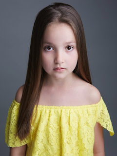 Anya McKenna-Bruce Adult Material: Age, Instagram, Parents, Birthday, Wiki, Bio