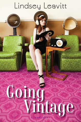 Review: GOING VINTAGE by Lindsey Leavitt