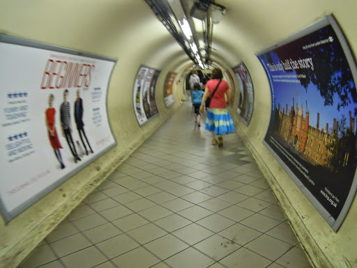 How to take the London Tube -  walking to the elevator