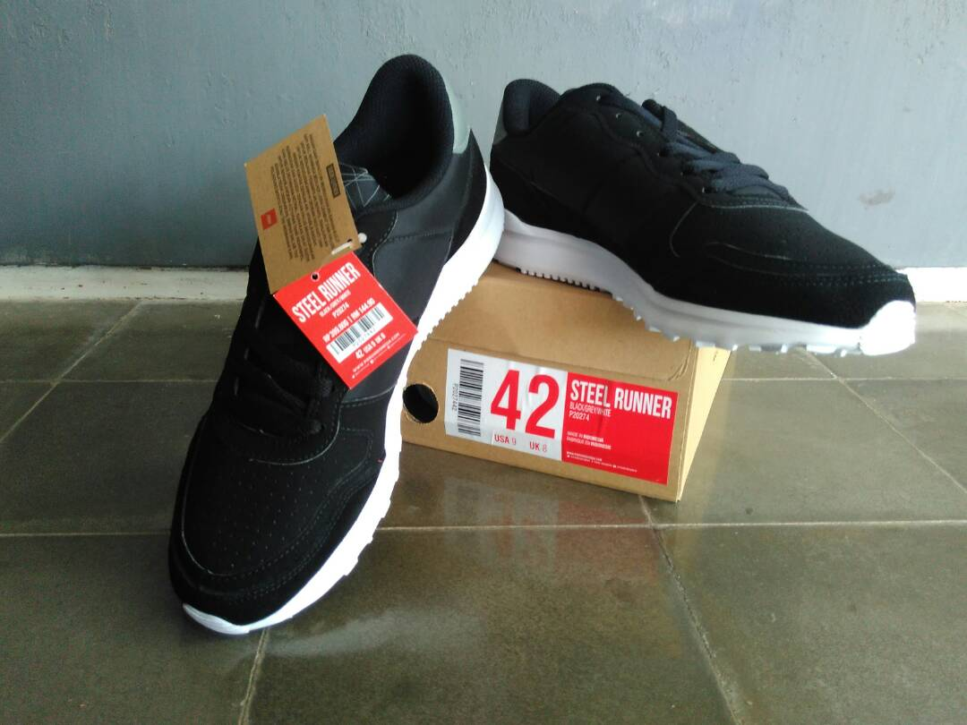 Jual sepatu sekolah 330rb Piero Ori Piero steel runner ready stock 68b8370429