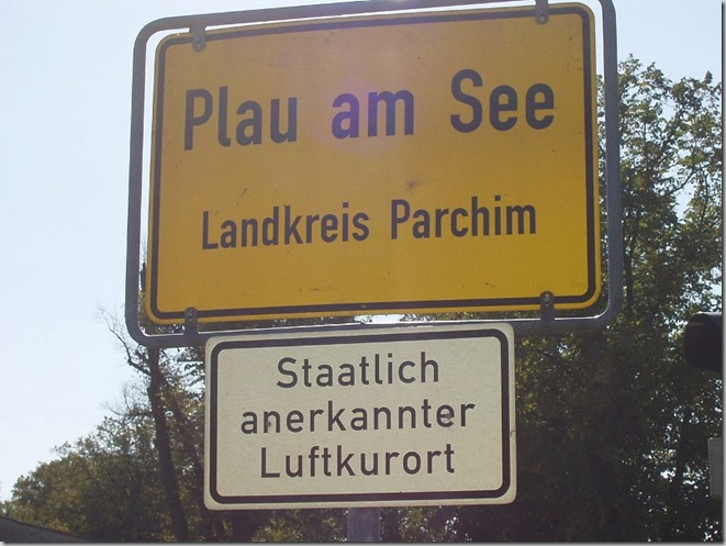 1280px-Plau_Germany_citysign (800x600)