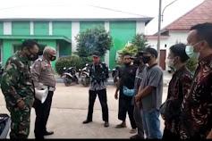 Kanit Lantas Polsek Pusakanagara Lakukan Imbauan Prokes dan Bagikan Masker di Desa Kotasari