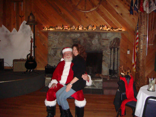 2008 Clubhouse Christmas Decorating - lotta%2B052.JPG